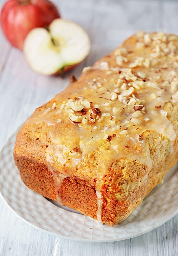 Яблочный кекс с медовой глазурью
