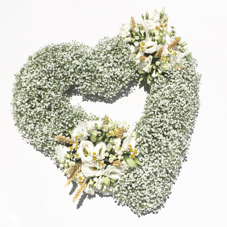 Wedding heart for the wedding car