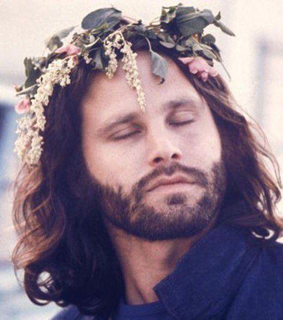 Jim Morrison elevado