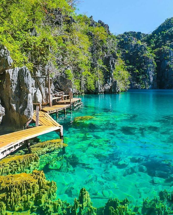 Hotels-live.com/pages/sejours-pas-chers - Kayangan Lake Palawan Photo by @travellersplanet #awesomedreamplaces Hotels-live.com via https://www.instagram.com/p/BFT4t-CFNm6/