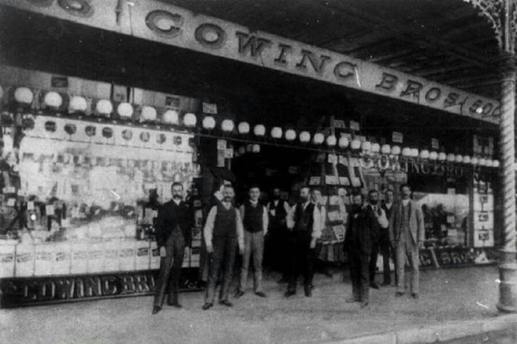 The Gowing Brothers and staff outside their store on George St,Sydney in 1890. •Fairfax Archives•