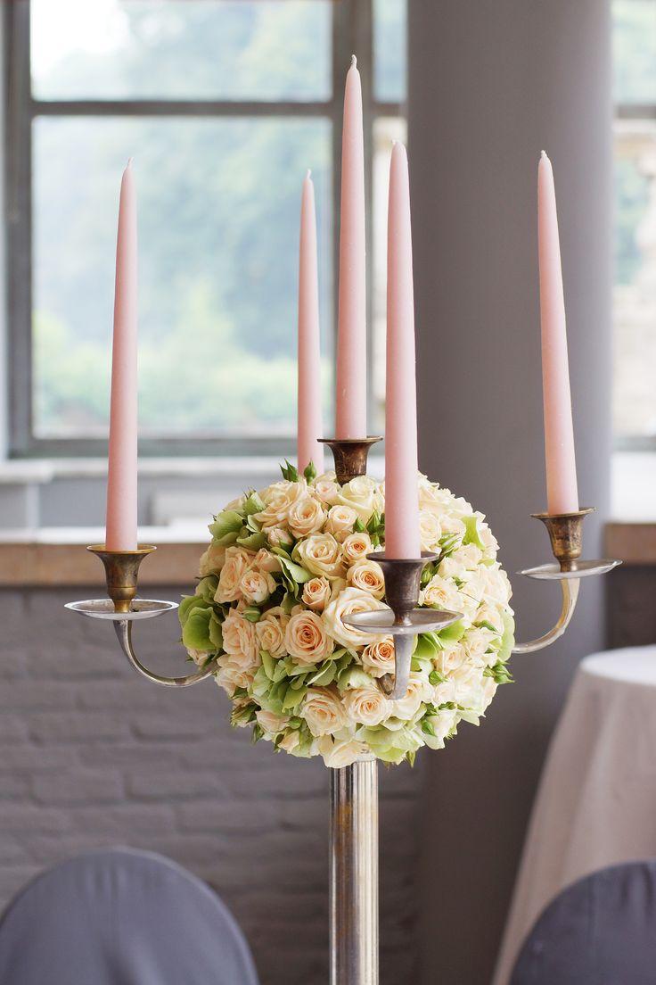 Walter Van Gastel - Trouwdecoratie, Kandelaar met bloemen - Absolutely Fabulous Weddingplanner