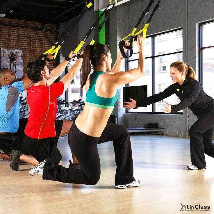 TRX, vücut ağırlığıızı direnç olarak kullanmanızı sağlayarak yüzlerce egzersiz olanağı sağlar. Vücut pozisyonunuzu değiştirerek kolaylıkla direnç ve şiddet ayarı yapabilirsiniz.  FitinClass.com 'un birbirinden farklı egzersizleri ile sporu eğlenceli hale getireceksiniz!