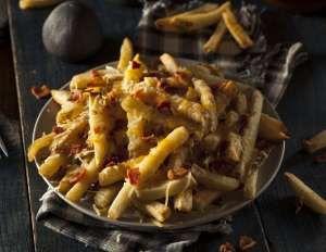 *Receita do blog Pilotando um FogãoIngredientes3 fatias de bacon picadasPapel toalha80g de queijo pr... - Foto: Shutterstock