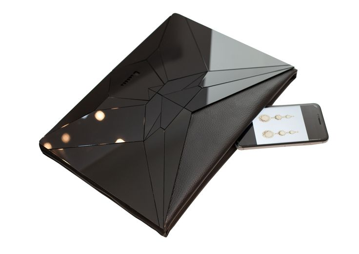 I love the VECTORY BLACK ENVELOPE clutch! #fashion