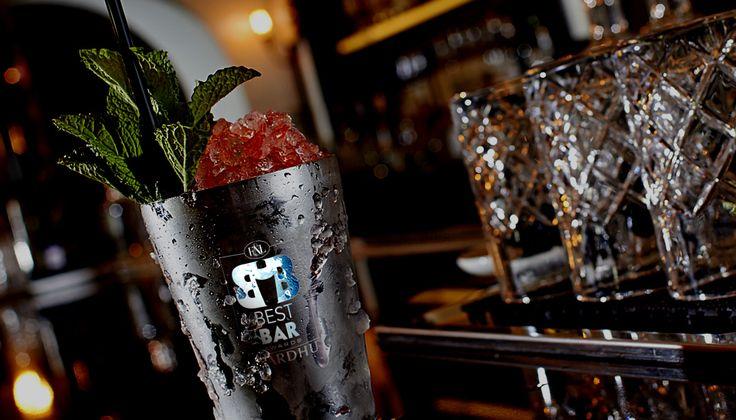 Σας καλούμε να ψηφίσετε το -ένα- καλύτερο μπαρ στην Αθήνα και τη Θεσσαλονίκη σε κάθε κατηγορία κατά την άποψή σας