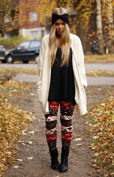 fashion - streetstyle - patterned leggings, oversized cardigan