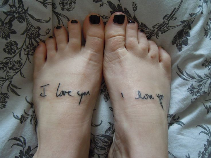 I don't normally like tattoos, but this is awesome, her mum and dad's handwriting