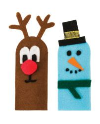 These Christmas finger puppets are perfect to craft for the holidays!