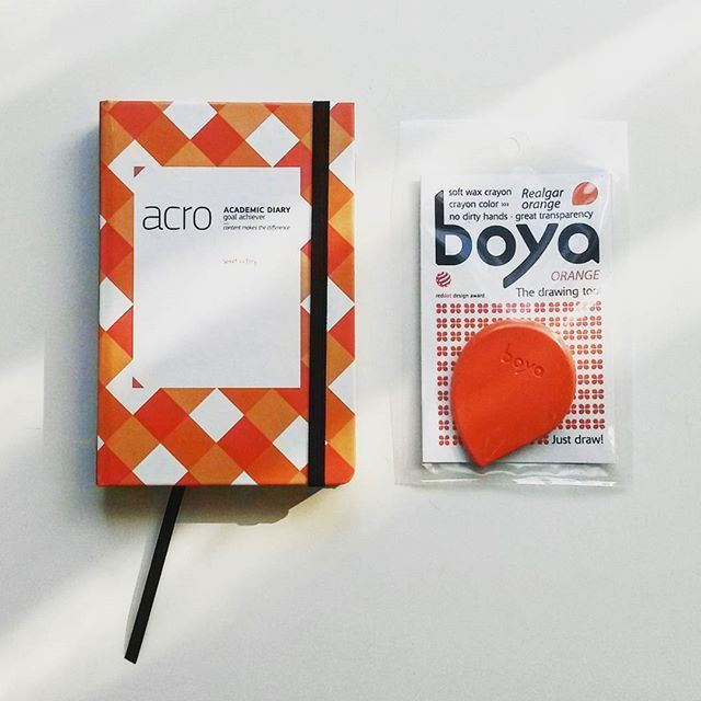 Orange. #nokonceptstore #acrossthegoals #orange #boyacrayons #creative #gift #gifts #buy #design #croatian #colorful #fun #planner #crayons #designshop