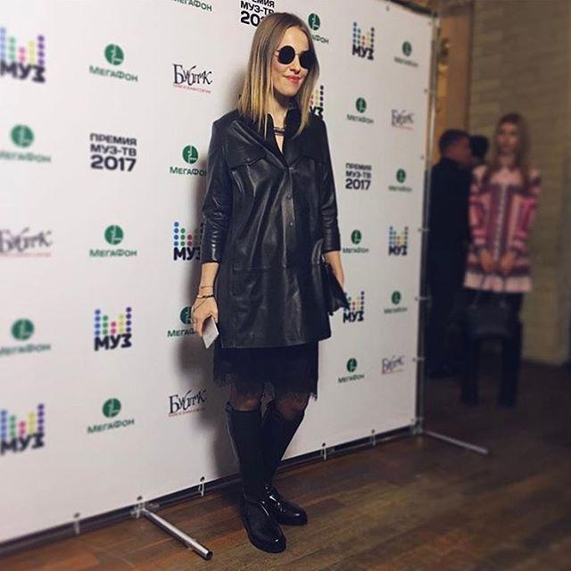 62.8 тис. вподобань, 560 коментарів – Ксения Собчак (@xenia_sobchak) в Instagram: «Прессзавтрак #Музтв в @cafebublik  Wearing leather dress from @izetaofficial ❤❤❤and…»