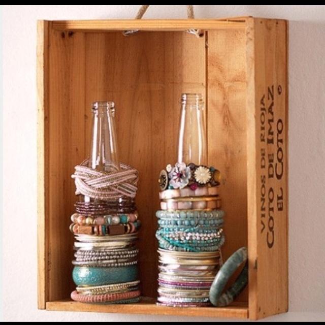 : Bracelets Display, Bracelets Organizations, Ponytail Holders, Great Idea, Bracelets Holders, Beer Bottle, Bracelets Storage, Glasses Bottle, Hairs Ties