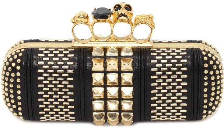 Kabelka Alexander McQueen - tyto a podobné kabelky a psaníčka jsou vhodné na letošní plesovou sezónu.