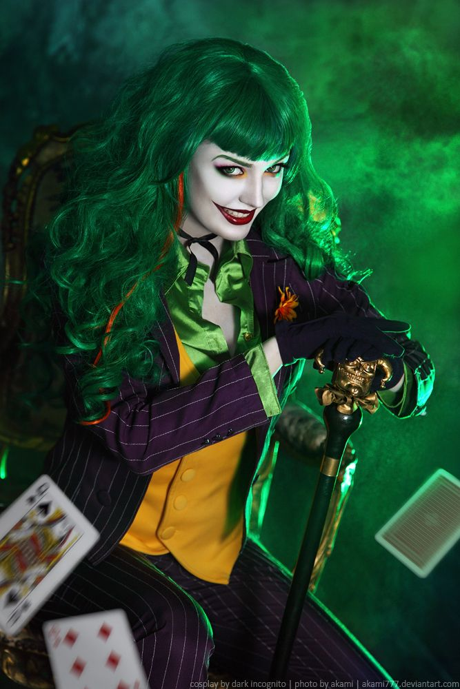You Don't Want To Mess With The Clown Princess Of Crime [Cosplay]
