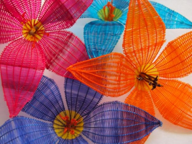 Horsehair - Crafty Flowers    En mi Paìs se le denomina Rari.