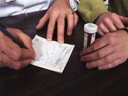 Nearly All U.S. Doctors 'Overprescribe' Addictive Narcotic Painkillers: Survey