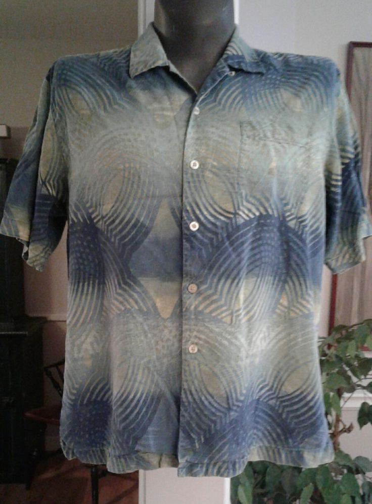 TOMMY BAHAMA 100% Silk Camp Shirt Aloha Hawaiian Tropical Colors Blue Green L