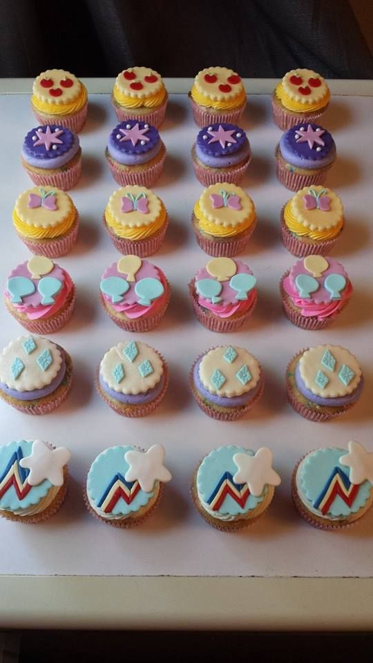 My Little Pony cutie mark cupcakes
