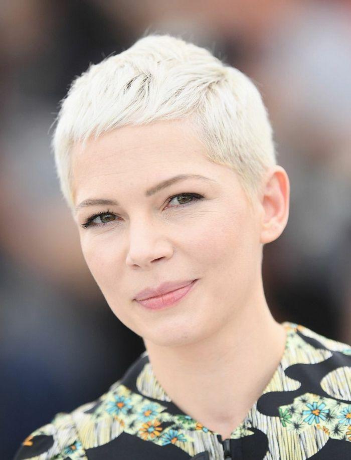 epingle sur coupe de cheveux femme
