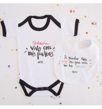 """Este pack de bebé incluye el body """"Todavía vivo con mis padres"""" y el babero de bebé """"Si puedes leer esto es que aún no he comido"""" diseñados por Pedrita Parker"""
