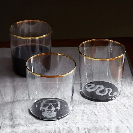 Gear up for Halloween with this X-Ray Glassware, featuring x-ray images of snakes or skulls at the bottom.