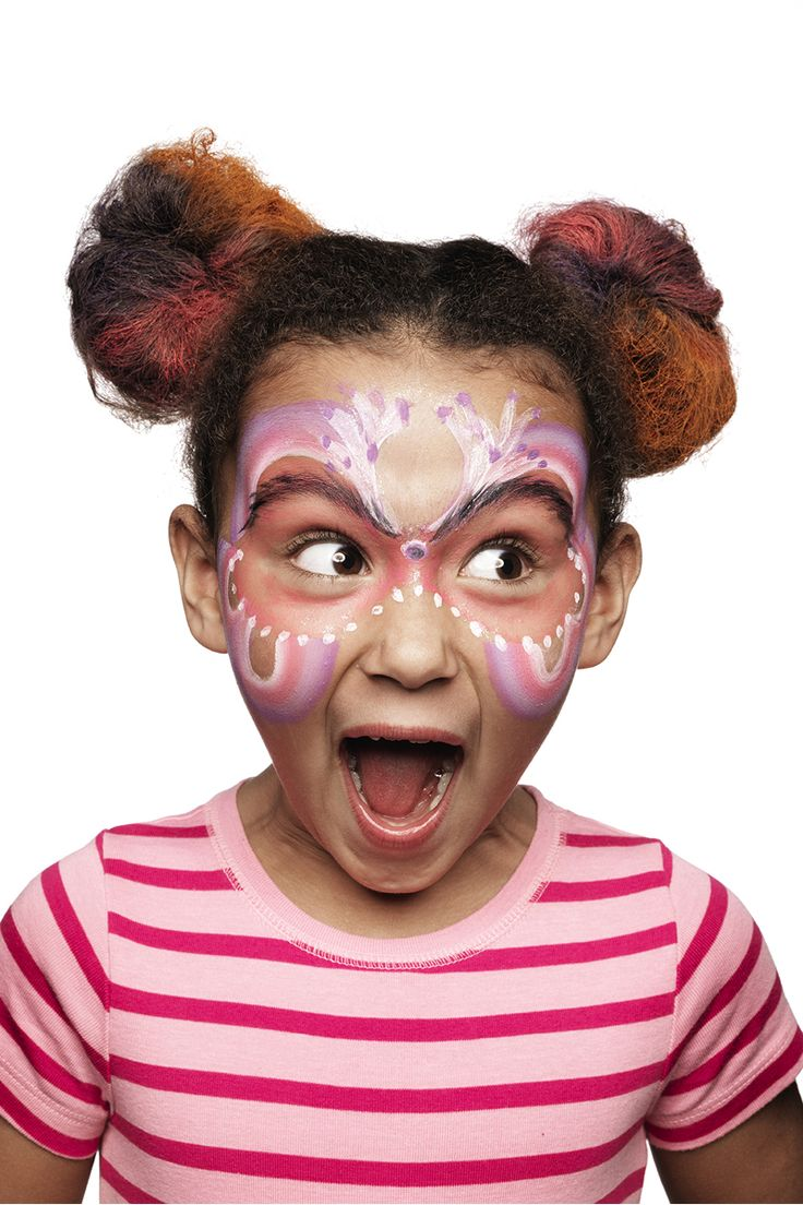 Do you want to be a butterfly? www.pandurohobby.com Masquerade by Panduro #DIY #face #paint #dressup #dress #facepaint #fastelavn