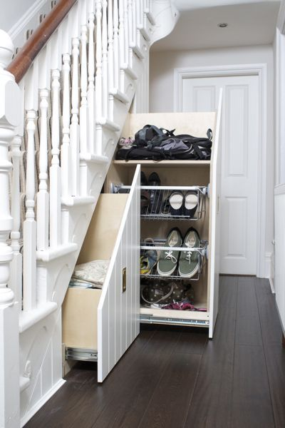I've recently completed a new under stairs storage project comprising two drawer units and a coat cupboard. This system incorporates pull out shoe racks to maximise the use of spacewithin the larger drawer.