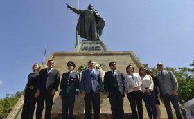 Conmemora Gobierno Municipal CXLV Aniversario Luctuoso de Benito Juárez