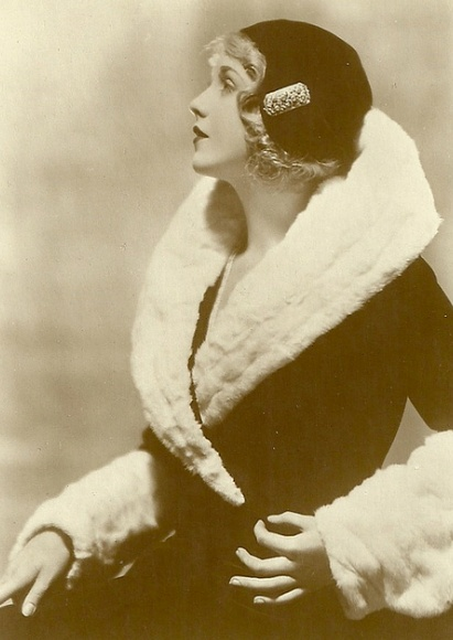 Anny Ondra, 1920'sFur Coats, 1920 S, Annie Ondra, Vintage Winter, Vintage Photos, Black And White, Fashion Vintage, Jazz Age, 1920S Fashion