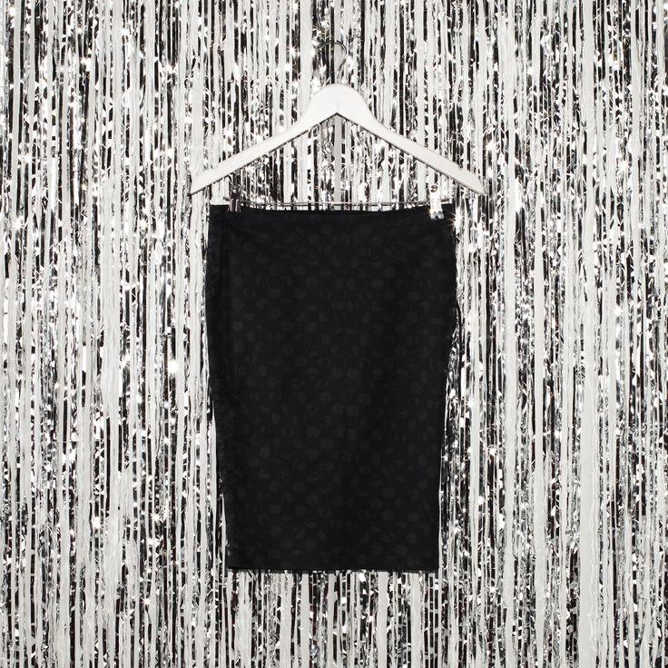 #jeansstore #onlinestore #online #store #skirt #womencollection #women #guess