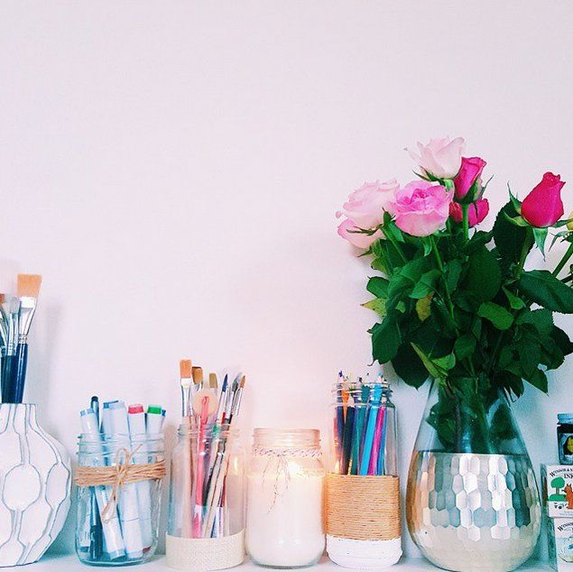 Pin for Later: 20+ Gorgeous Ways That Real Girls Are Using Mason Jars at Home As desktop storage organizers. So. Stinking. Cute.