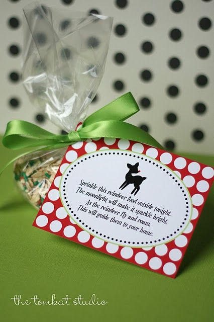 reindeer food - printable - Every year I give out reindeer dust to my son's friends. - The kid's loved making this last year.  I probably still have the poem we used that does not have Santa's name in it.  Ingredients used:  sugar, oatmeal, glitter.