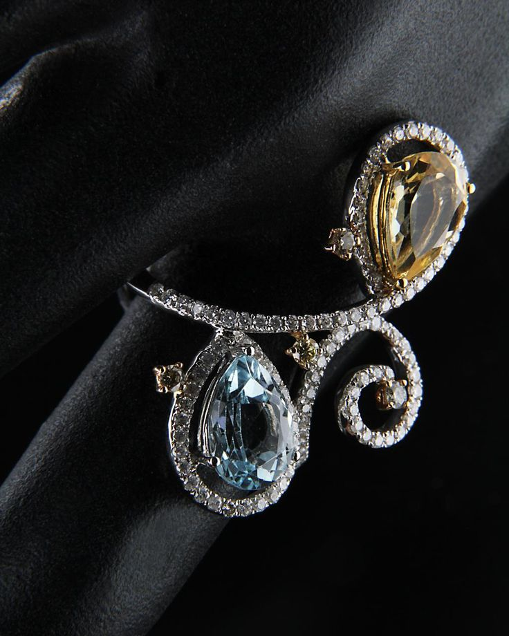 Δαχτυλίδι λευκόχρυσο Κ18 με Διαμάντια & Τοπάζι