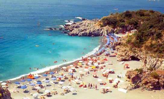 Was die Region Basilikata für einen Urlaub in Italien anzubieten hat. Reiseziele, Sehenswertes, Highlights, Naturschutzgebiete, Strände und regionale Küche. http://www.italien-inseln.de/italia/basilikata-basilicata/urlaub.html