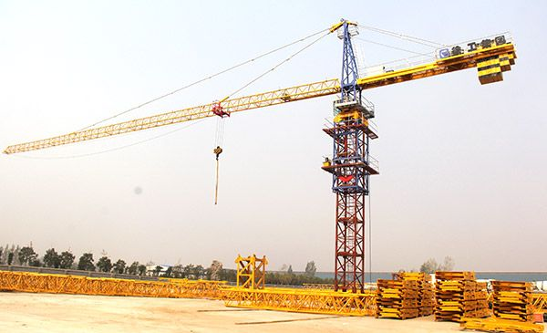 Tower Crane: Q7022(7022-16)  For similar producs such as the Topkit Tower Crane, Topless Tower Crane, Luffing Tower Crane and other, please visit: www.integramotors.co.za/   #Heavystuff #IntergaGroup