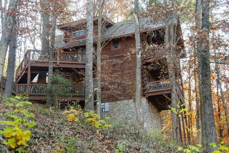 City View - Bryson City Cabin Rentals  Hill-top log cabin.    Overlooking Bryson City, NC.  Wonderful view of town and a great location for all you want to do in the Smoky Mountains.  Close to Great Smoky Mountain Railroad, Deep Creek hiking and tubing, Fontana Lake, and Nantahala River Gorge.  www.brysoncitycabinrentals.com