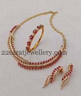 Jewellery Designs: Sleek Choker with Bracelet