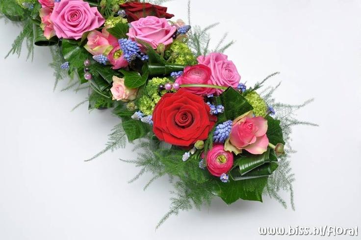 Google Afbeeldingen resultaat voor http://www.bloemschikkenworkshop.nl/images/rozenpracht-schuin.jpg