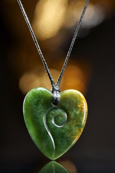 Herz Schmuck Anhänger aus neuseeländischer Jade