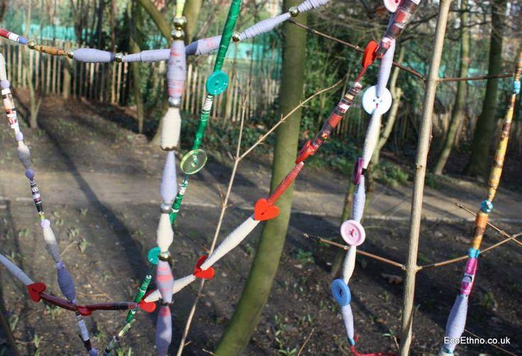Necklace or garlands made of paper #workshopwithchildren #ecogarland