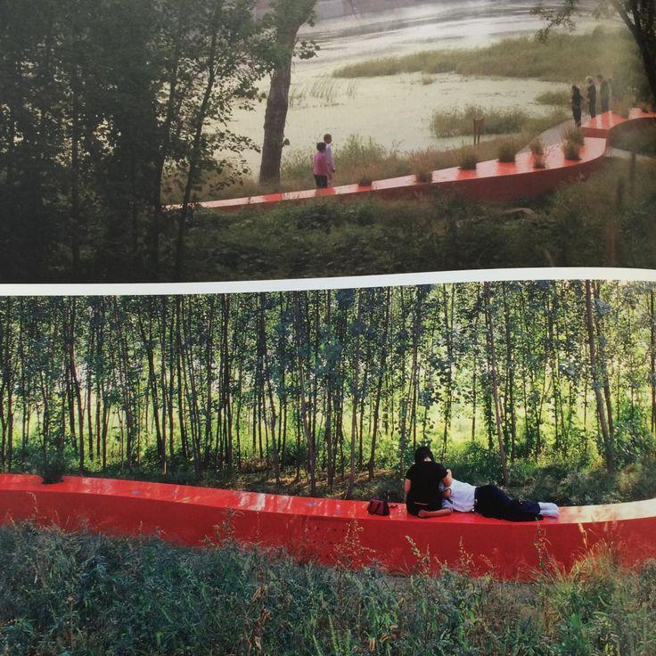 Les parcs figurent sans doute parmi les derniers lieux où se côtoient véritablement des gens d'âges, d'horizon et de classes sociales différentes. Pour les collectivités, repenser ces derniers bastions de la mixité sociale revêt donc plus d'importance qu'il n'y parait de prime abord. Pour les concepteurs de parcs urbains, la base du métier n'a pas changé : il s'agit toujours d'imaginer des espaces de nature et de bien-être. La grande nouveauté tient à la capacité à réinventer le modèle du…