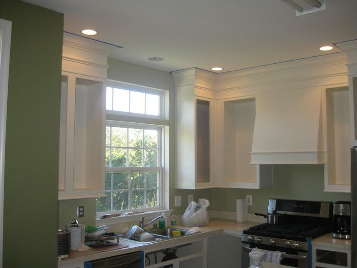 How to paint and upgrade your builder's grade cabinets - Navajo white - Benjamin Moore Aura paint -satin finish