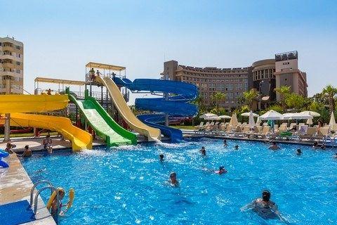 Grand Park Lara in Antalya? Geniet van een heerlijke vakantie in Grand Lara Park. Voordelig op vakantie in Turkije. Geniet in Antalya van zon, zee en strand.