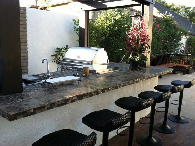 Best 25 Small Outdoor Kitchens Ideas On Pinterest Backyard Kitchen Outdoor Grill Area And