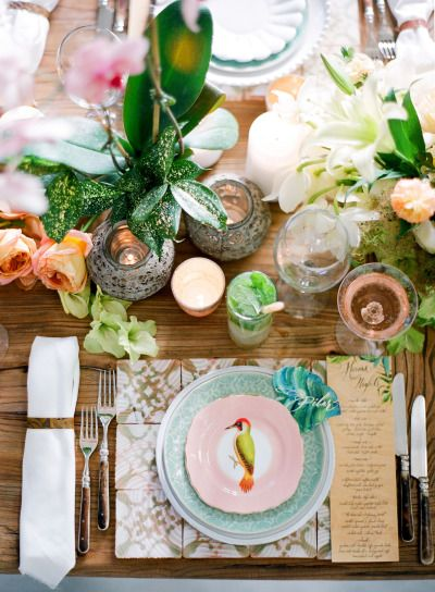 Tropical inspired table: http://www.stylemepretty.com/2015/07/14/authentic-colorful-cuban-wedding-inspiration/ | Photography: Jose Villa - http://josevilla.com/