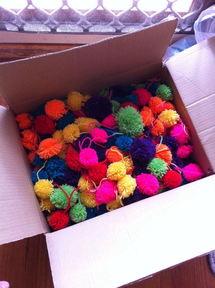 17 meilleures images propos de diy avec du tissu de la feutrine de la laine sur pinterest - Comment fabriquer des pompons ...