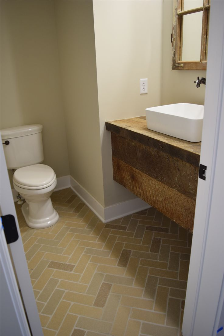 a rustic feel in this guest bathroom is gorgeous riterug flooring
