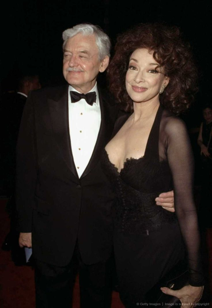 Hal Holbrook and Dixie Carter.  They lived in the McLemoresville, TN until Dixie passed in 2010.