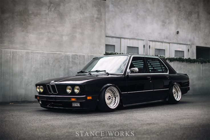 Заниженный BMW E28 540I - воплощение стиля | Carakoom Ltd - Internet portal for auto enthusiast