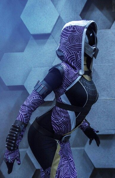 Mass Effect cosplay by SerpentRouge (Serpina), Tali'Zorah. Photo by MaKksTobi Moscow 2014